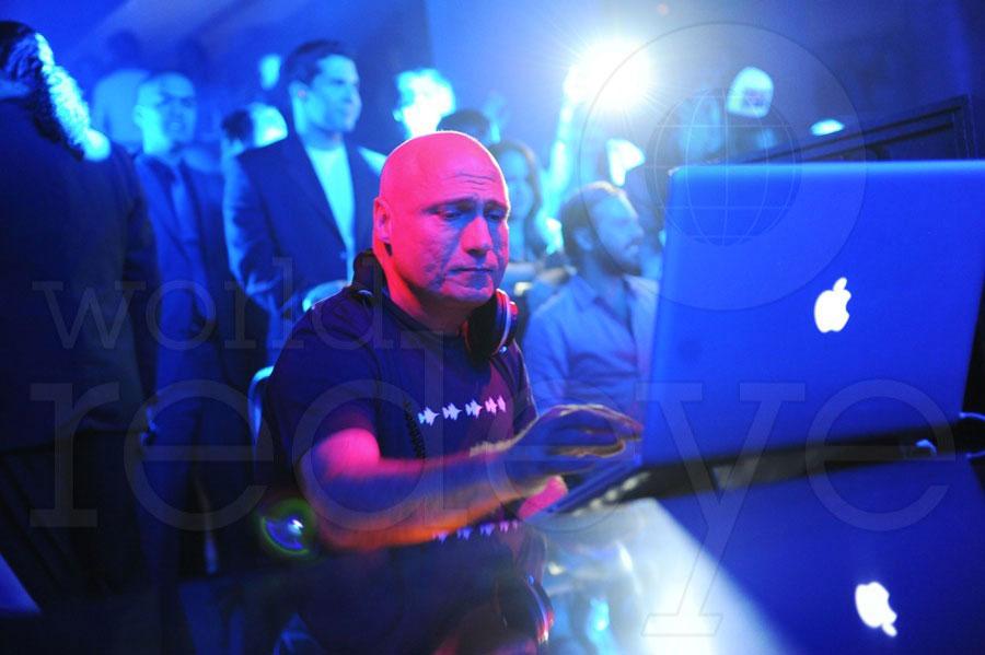 5-Danny-Tenaglia-DJing4